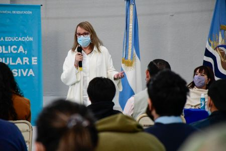 """Alicia Kirchner: """"Necesitamos gente que se juegue y apueste a un proyecto colectivo"""""""