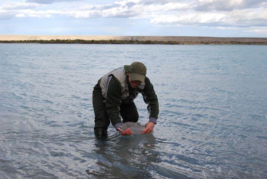 Todo listo para el curso de guías de pesca en Comandante Luis Piedra Buena