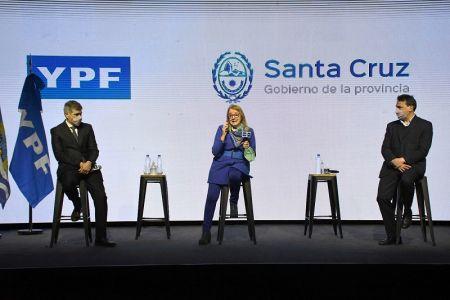 """Alicia Kirchner: """"Santa Cruz es energía para crecer y para crecer hay que trabajar en alternativas"""""""