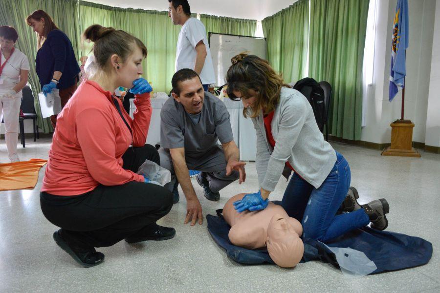 Docentes participaron en curso de RCP y Primeros Auxilios