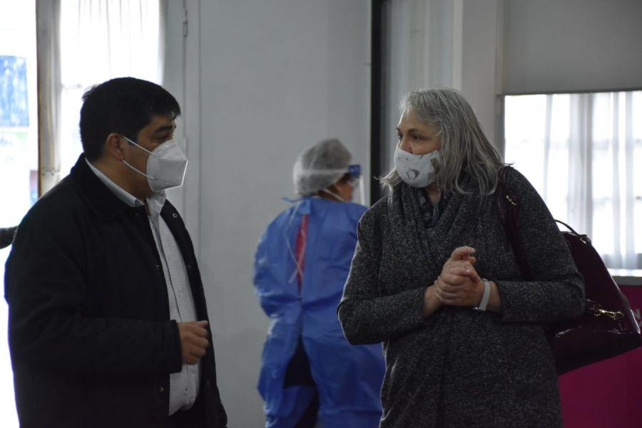 """García y Weinzettel estuvieron presentes en el inicio del """"Vacunar para Prevenir"""" en Río Gallegos"""